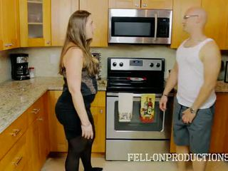[taboo passions] madisin lee i cooking til stemor