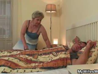 Manželka goes šialené kedy prichytené ho podvádzanie