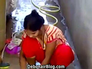 性感 desi 孩儿 washing clothes 表现 分裂 ca
