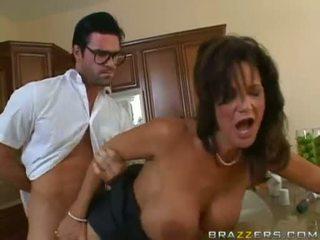 Deauxma getting geboord op haar twat bij de keuken