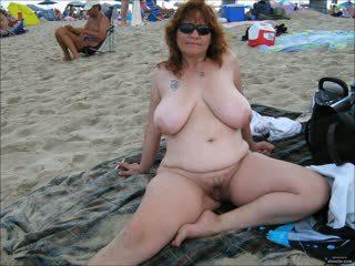Queens trên các bãi biển 3