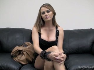 Sexy busty babe like a hard sex on casting