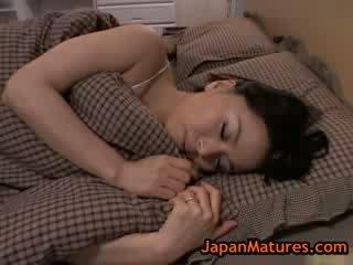 Küpsemad suur tihane miki sato masturbeerimine edasi voodi 8 poolt japanmatures