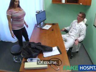 Fakehospital 아기 wants doctorã¢â€â™s 정액 모든 위에 그녀의 큰 거대한 가슴 비디오