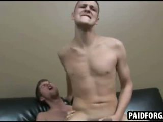 Queste two sexy amateru studs are having anale