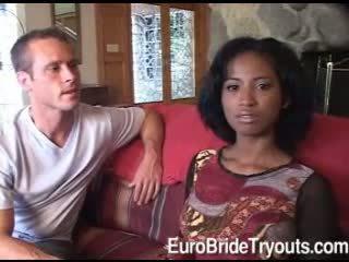 Innocent afro cô dâu trong có ba người does blowjob vì two sừng guys