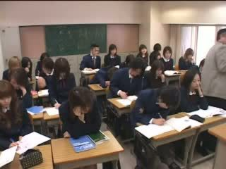 Japanese Teens Makes Love With Hands In Classroom Video