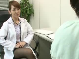 לסבית gynecologist 2 חלק 1