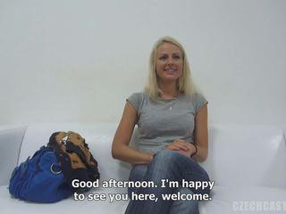 Beaty gaišmatis meitene jana jāšanās intervija