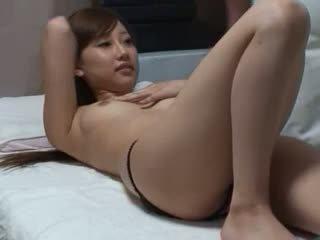 Spycam reluctant 女の子 chiropractor セックス 5