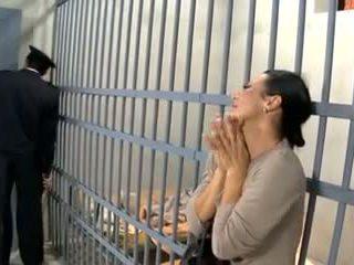 Video 594 prisoner manželka souložit