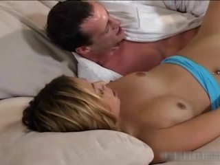 Kısa saç anal creampie seks tüp
