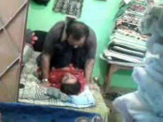 Érett kívánós pakisztáni pár enjoying rövid muslim szex session