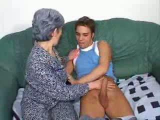 Bestemor knulling venn sønn video