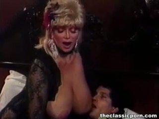 Blonda vagaboanta cu mare tate fucks guy