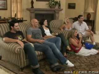 Seksuaalinen toiminta välillä perhe members