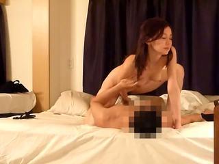 한국의 유명 인사 prostituting vol 31clip4 로 swifcom