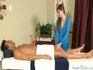 Lara brookes gives тя първи пълен тяло масаж с изпразване изстрел