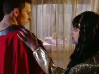 Cleopatra goes اللغة اليونانية أسلوب