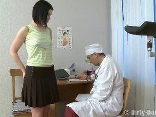 डॉक्टर