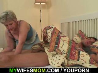 Scandalized dotter finds henne gammal momen ridning hans balle