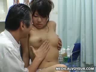 Vyzvědač panenka climax masáž