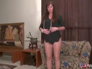 Usawives Fit Mature Rose Self Toying