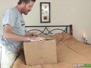 Extra خاص delivery مع elizabeth bentley