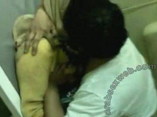 Arab gadis nakal di hijab kacau oleh doctor-asw231
