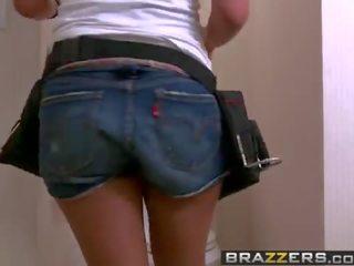 Brazzers - liels butts tāpat tas liels - fixing the pipes aina starring nikki sexx un keiran lee