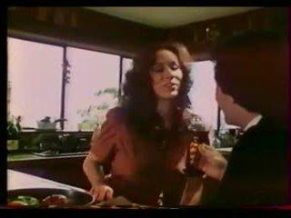 Cinta mesin - berkabus regan, mai lin (1983)