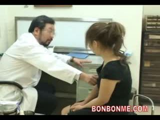 Ngandhut rumaja be fucked by dhokter to make abortion 03