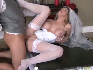 Breathtaking Bride Kayla Paige Acquire...