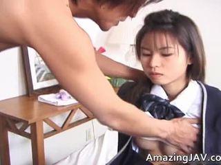 Gemeen japans studente has fingered