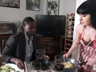 Casting Alla Italiana - Interracial Sex with Lusty Luna