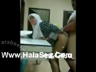 Maleisisch jilbab seks memantat