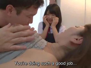 Subtitled jav insane mère gives fille sexe ed lesson