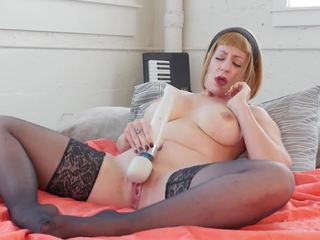 MILF Starlette Vibrates Her Cooshie, Free Porn 62