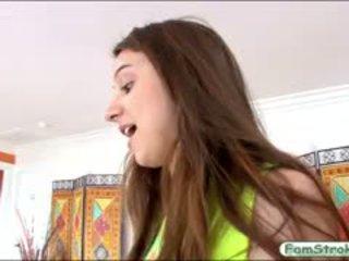 โดยธรรมชาติ นม วัยรุ่น elektra rose gets pounded โดย เธอ stepdad