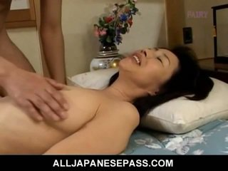 Makiko miyashita sesanje poraščeni tič.