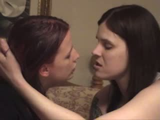Lesbian with long tongue kissing Video