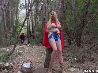 Horny Wolf Got Turned on and Stalked Lexi Lowe