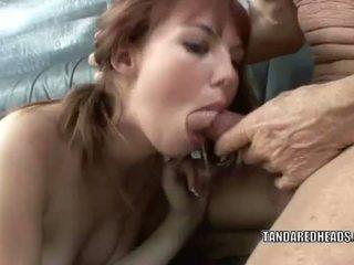 T 和 一 redheads: 紅發 青少年 hottie delila 寵兒 gets 性交