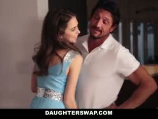 Daughterswap- татковци swap и майната тийн daughters на prom нощ