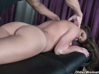 Soccer milf Hunter Bryce gets fucked on massage table <span class=duration>- 28 min</span>