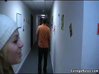 女孩 peg persons 視頻