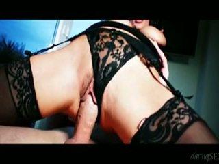 Naughtiest seks tiga orang! honeys memiliki oustanding bagus bust siap untuk anda