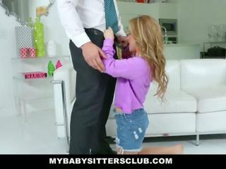 Mybabysittersclub - söpö nuori lastenhoitaja fucks isä varten kosto