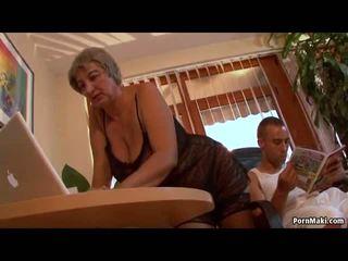 Povekas mummi wants nuori mulkku, vapaa läkkäämpi porno video- f0