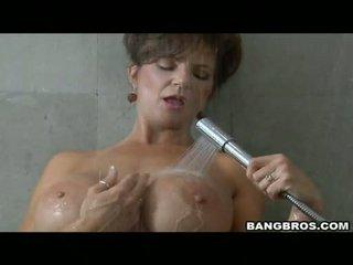 Pleasing momma deauxma likes o prazer de getting sauced em dela boca com ejaculações